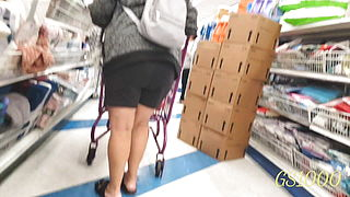 Candid spanish Granny, nice legs and wedgie, she was on to me