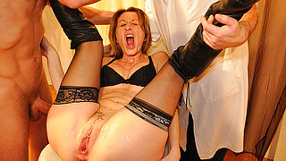 French housewife gets fisted and has her pussy stretched in kinky medical examination