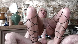 French Mature Anal amp; Strapon