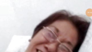 Granny pinay wants to blow..